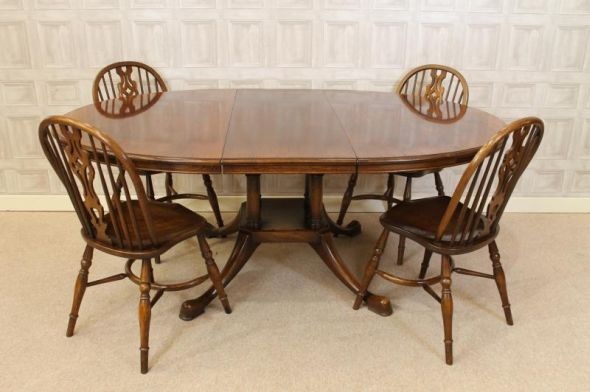 Titchmarsh and Goodwin dining table